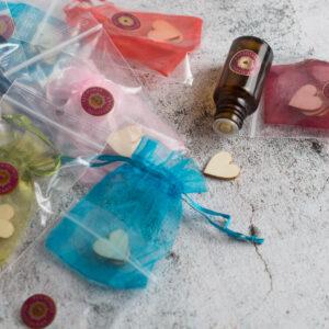 """Set 7 """"Oggetti aromatici"""" composti da legnetti misti (noce e betulla) per uso olfattivo degli oli essenziali"""